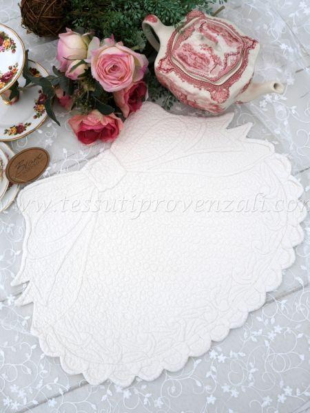 Tovaglietta americana Blanc Mariclo' ovale con fiocco – colore avorio chiaro